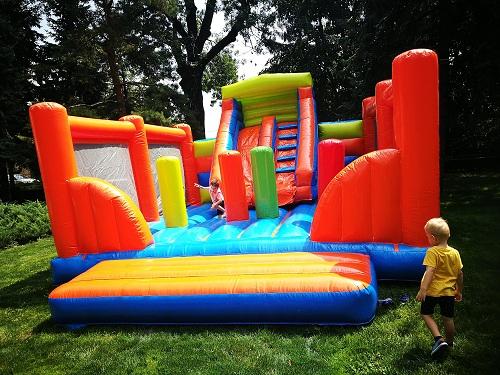 inchiriere tobogan gonflabil profesional, petreceri pentru copii